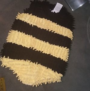 Buzz buzz baby. Infant bee costume/jumpsuit